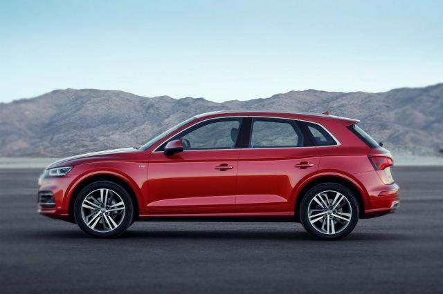2019 Audi Q5 side