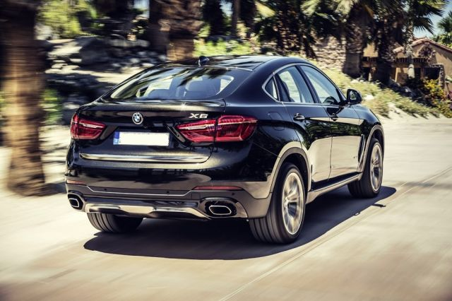2019 BMW X6 rear