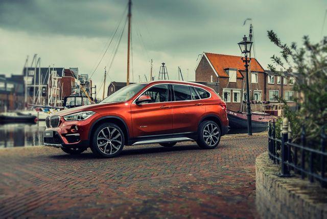 2019 BMW X1 side