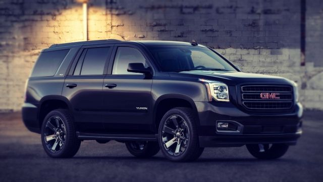 2019 GMC Yukon side