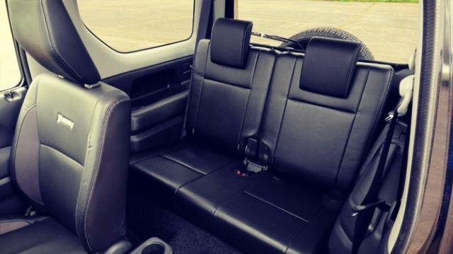 2019 Suzuki Jimny seats