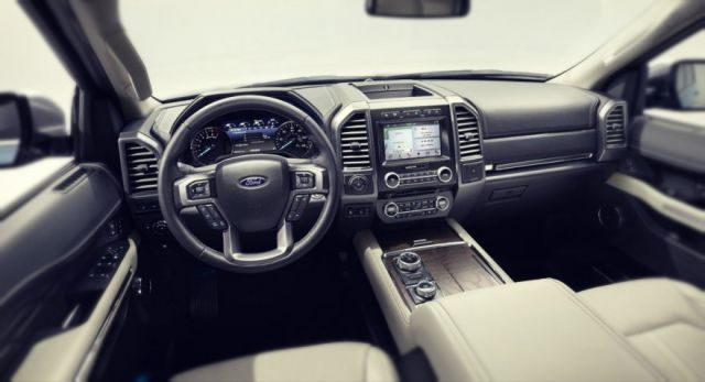 2019 Ford Explorer interior