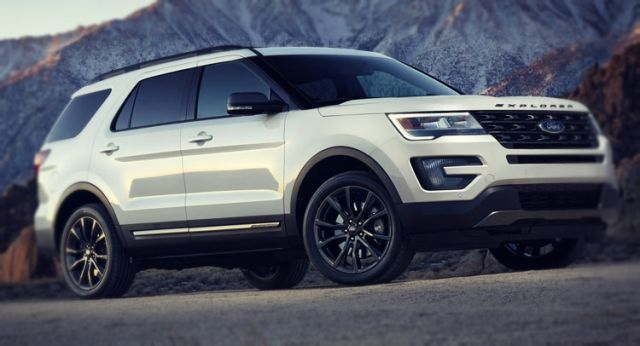 2019 Ford Explorer side