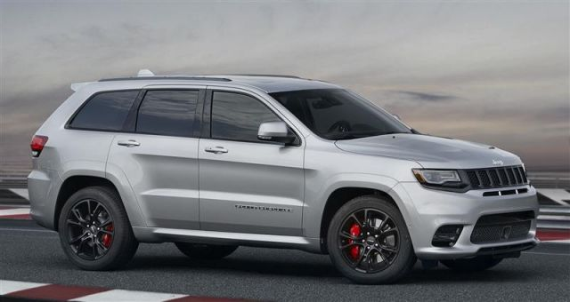 2019 Jeep Grand Cherokee side