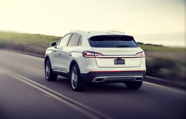 2019 Lincoln MKX rear