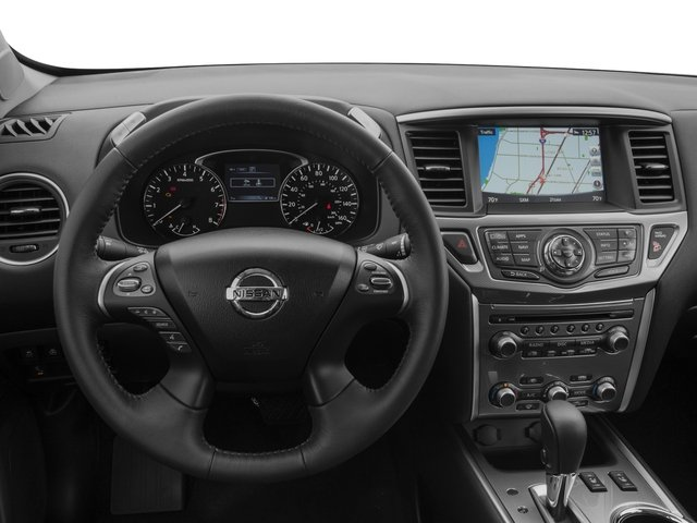 2019 Nissan Pathfinder interior look