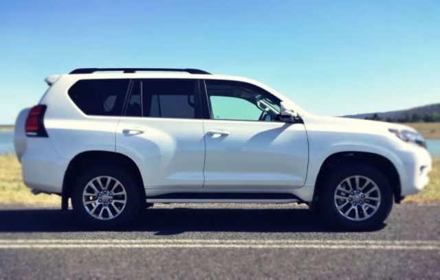 2019 Toyota Land Cruiser Prado side