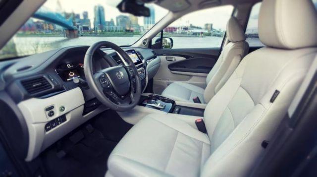 2020 Honda Pilot seats