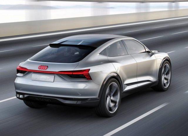 2019 Audi Q9 rear