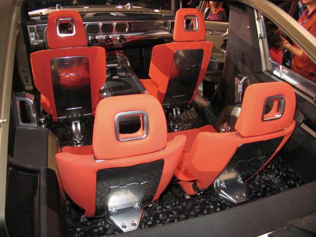2019 Hummer H3 front interior