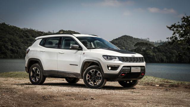 2019 Jeep Compass side