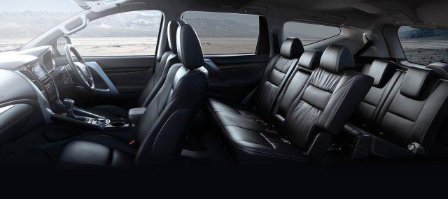 2019 Mitsubishi Montero Sport seats