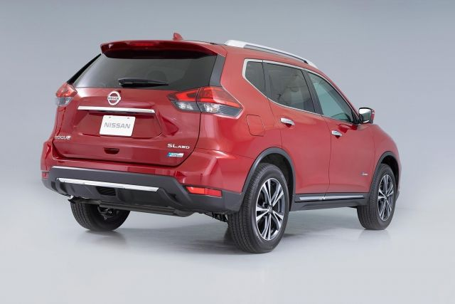 2019 Nissan Rogue Hybrid rear