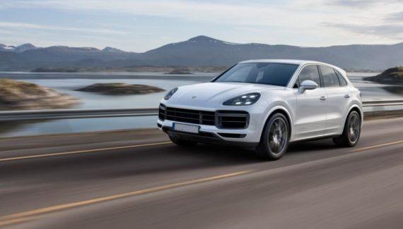 2019 Porsche Cayenne front