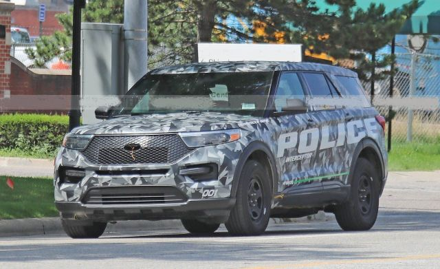 2020 Ford Explorer Caught Camouflaged As The Police Interceptor