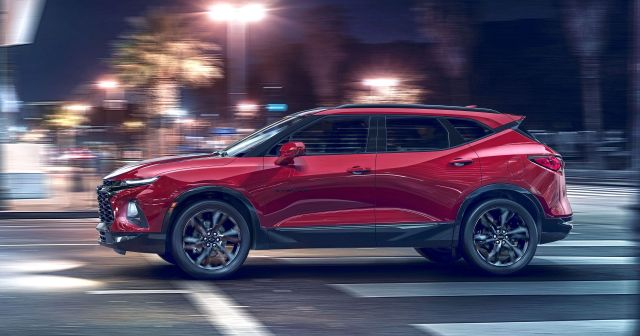 2019 Chevy Blazer side