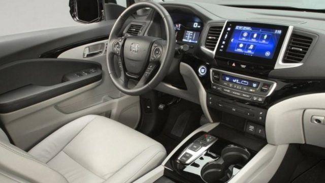 2019 Honda Pilot Hybrid interior