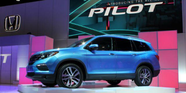 2019 Honda Pilot Hybrid side