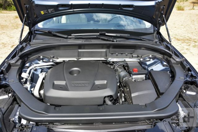 2020 Volvo XC60 engine