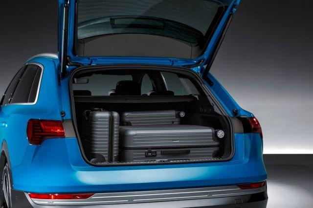 2019 Audi E-Tron trunk