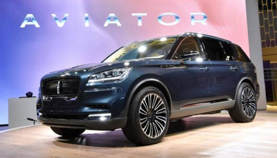 2020 Lincoln Aviator front