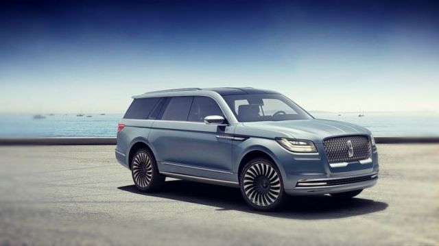 2020 Lincoln Navigator front