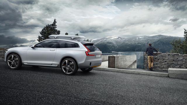 2020 Volvo XC50 side