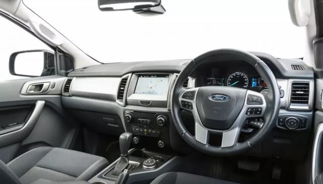 2020 Ford Everest interior view
