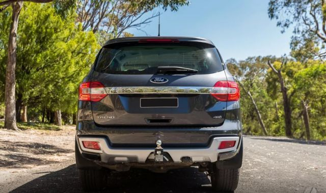 2020 Ford Everest rear