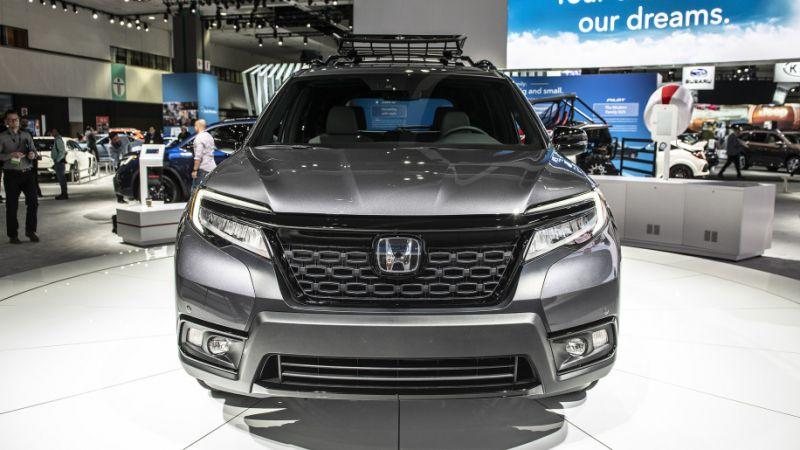 First Look: 2020 Honda Passport - 2018 LA Auto Show (Video ...