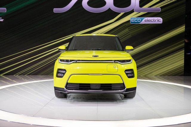 2020 Kia Soul EV front