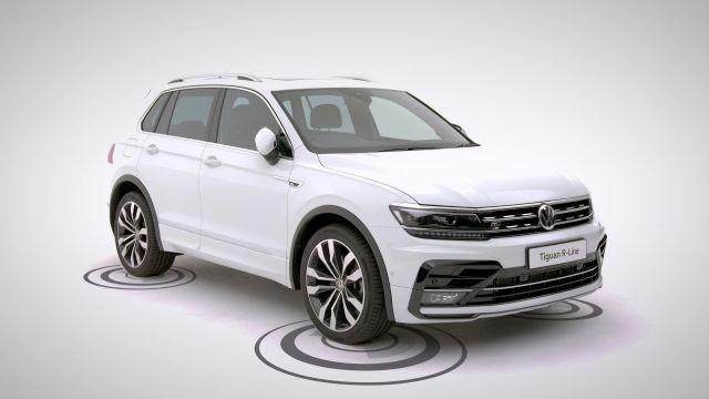 2020 VW Tiguan R-line front