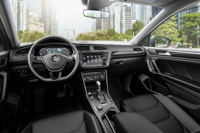 2020 VW Tiguan interior