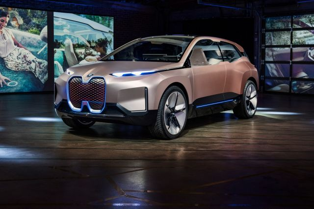 BMW Vision iNext Concept front