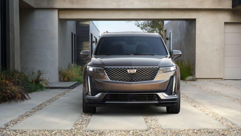 2020 Cadillac XT6 front