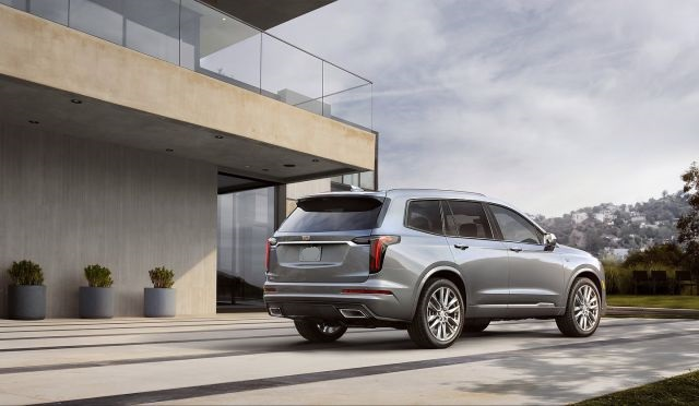 2020 Cadillac XT6 rear view