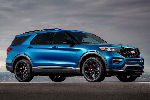 2020 Ford Explorer ST side