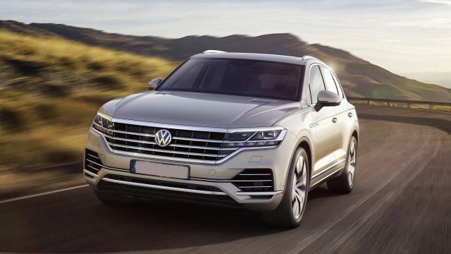 2020 Volkswagen Touareg front