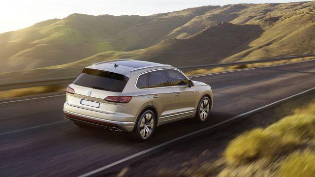 2020 Volkswagen Touareg rear