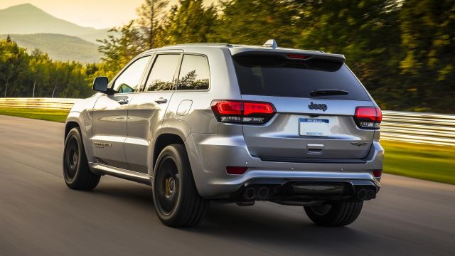 2021 Jeep Grand Cherokee rear