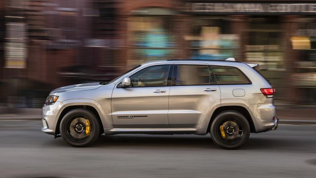 2021 Jeep Grand Cherokee side