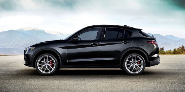 2020 Alfa Romeo Stelvio side