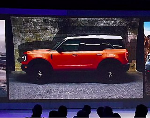 2020 Ford Bronco side