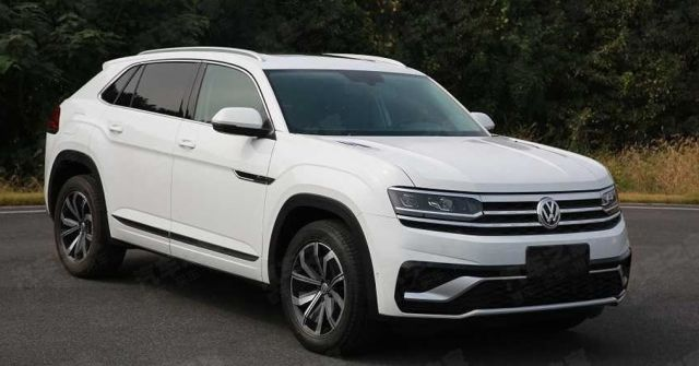 2020 VW Atlas Cross Sport front