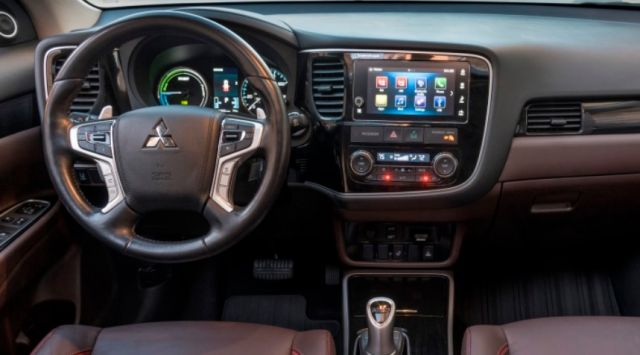2020 Mitsubishi Outlander PHEV interior