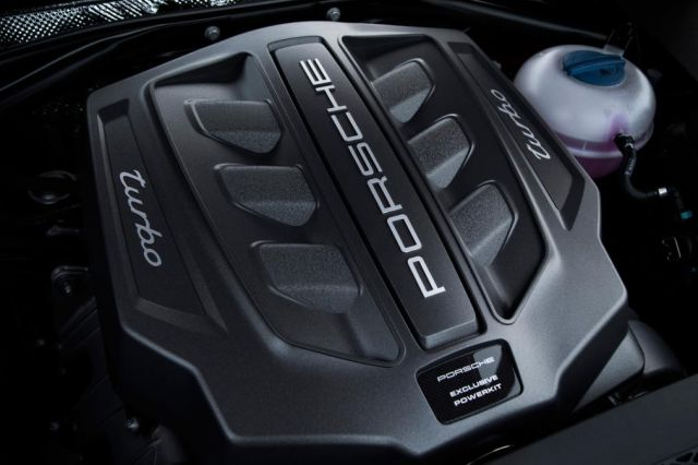 2020 Porsche Macan Turbo engine
