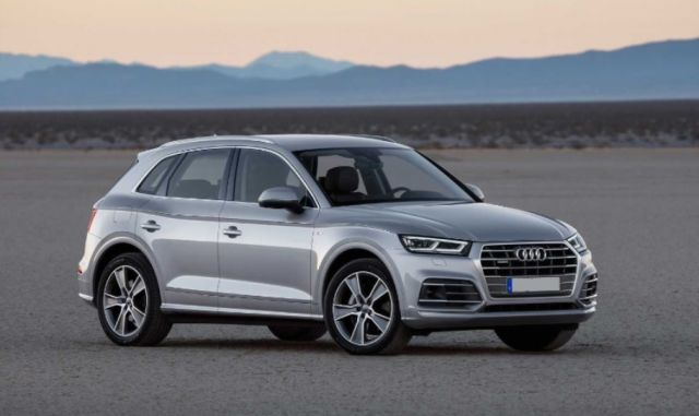 2020 Audi Q5 Hybrid side