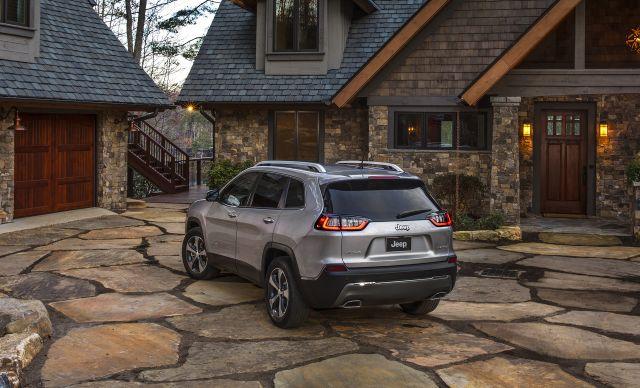 2020 Jeep Cherokee rear