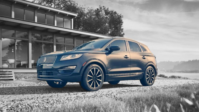 2020 Lincoln Corsair design