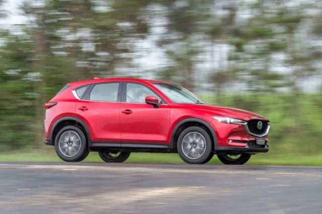 2020 Mazda Cx-5 Diesel side